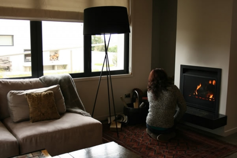 setting-fire-sunken-living-room-img_3354